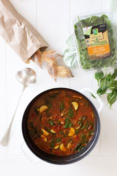 Italian Peasant Soup: hearty low calorie (and inexpensive) but high nutrition soup filled with veggies and beans!