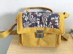 Dealeuse de Fils sur Instagram: Cette année j'ai participé à un swap couture de la marque de patrons de sac @patrons_sacotin . Un calendrier de l'avent sur le thème de la…