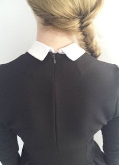 Kup mój przedmiot na #vintedpl http://www.vinted.pl/damska-odziez/krotkie-sukienki/10808586-rozkloszowana-czarna-z-odpinanym-kolnierzykiem