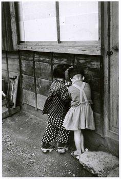 """Japan in 1954 """"Shy girls, Yaizu (焼津)Shizuoka (静岡) prefecture、Japan, 1954. Robert Capa. (1913 - 1954)"""""""