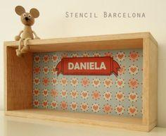 estantes personalizados realizados por #Stencilbarcelona