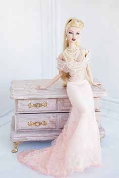 I don't even care that it's a barbie. Barbie Gowns, Barbie Dress, Barbie Clothes, Beautiful Barbie Dolls, Pretty Dolls, Fashion Royalty Dolls, Fashion Dolls, Poppy Parker, Barbie Collection