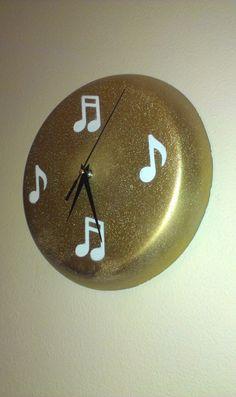 Concrete clock W1