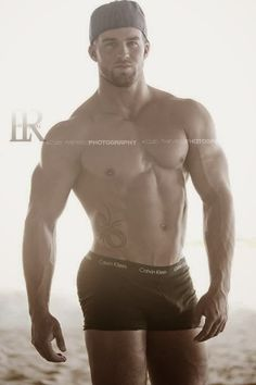 Daily Bodybuilding Motivation: Cody Redmond - Bodybuilder and Fitness Model
