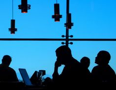 videoconferencia abierta y gratuita: Herramientas TIC para emprendedores culturales. El 4 de junio a las 18 hs GMT
