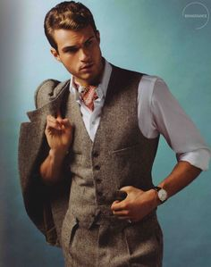 three piece suit, but without the awful cravat. Tweed Men, Tweed Suits, Gentleman Mode, Gentleman Style, Sharp Dressed Man, Well Dressed Men, Mens Attire, Mens Suits, Estilo Club