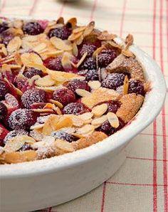 Rezept: Anis-Grieß-Auflauf mit Kirschen und Mandeln
