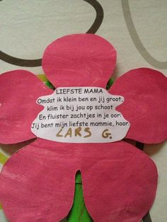 moederdagversje Arts And Crafts, School, Hair Styles, Gift, Hair Looks, Hair Cuts, Art And Craft, Hairdos, Updos