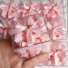Baby shower - ideas, decorating tips and more - - Wedding Favours, Party Favors, Wedding Gifts, Baby Shower Decorations, Wedding Decorations, Cadeau St Valentin, Chocolate Wrapping, Bday Girl, Ideas Para Fiestas