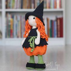 Crochet Patterns Amigurumi, Amigurumi Doll, Crochet Dolls, Halloween Toys, Halloween Crochet, Halloween Witches, Crochet Baby Socks, Crochet Bunny, Cute Desk Accessories