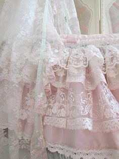 Pink Silk with yummy mint trims. I enjoyed making this Moses basket, working with lace is so much fun and the ladies here like lots of it. Shabby Chic Baby, Granny Chic, Antique Lace, Vintage Lace, Victorian Lace, Ugly Girl, Baby Baskets, Fru Fru, Baby Bassinet
