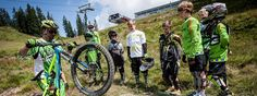 The AlpenParks Hotel Sonnleiten offers high-quality holidays at attractive prices. All information about your perfect holiday in the best place in Saalbach can be found here. Bike Hotel, Hotel Apartment, The Good Place, Bicycle, Mtb, Summer, Vacation, Bike, Summer Time