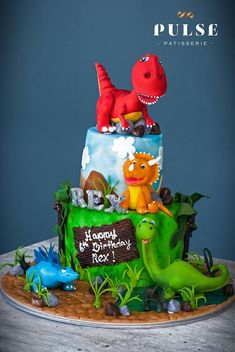 For your child's next birthday, make their dreams come true and order a custom-made dinosaur birthday cake online from our talented bakers. Twin Birthday Cakes, Dinosaur Birthday Cakes, Happy 6th Birthday, Dinosaur Cakes For Boys, Die Dinos Baby, Dino Cake, Fondant, Decoration, Ideas