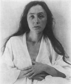 Georgia O'Keeffe was born in sun Prairie, Wisconsin on November She longed to be an artist from an early age and had her first exhibition without her knowledge when Alfred Stieglitz featured her work in his gallery. Photo by Alfred Stieglitz, Alfred Stieglitz, Wisconsin, Michigan, Georgia O'keeffe, History Of Photography, Portrait Photography, Santa Fe, New Mexico, Marlene Dietrich