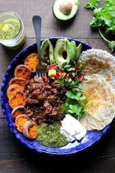"""""""Sloppy Jane"""" Tex Mex Bowls 21 Healthy And Delicious One-Bowl Meals Healthy Snacks, Healthy Eating, Healthy Recipes, Easy Recipes, Food Bowl, Atkins, Yummy Food, Tasty, I Love Food"""