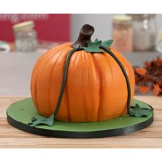 How to Carve and Decorate a Pumpkin Cake