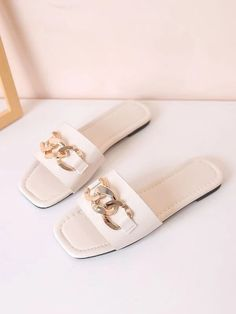 Sock Shoes, Shoe Boots, Trendy Womens Shoes, Cute Slippers, Chain Crossbody Bag, Crazy Shoes, Slide Sandals, Footwear, Heels