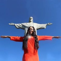 Christ the Redeemer (Cristo Redentor) is one of the new 7 wonders of the world- and we can see why! I may be the first thing you think of when you think Brazil. Snap a shot using the coordinates included in our Photoguide! http://sidewalkerdaily.com/photoguide-rio-de-janeiro/ #instatour