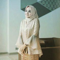 Kebaya Modern Hijab, Kebaya Hijab, Kebaya Muslim, Muslim Dress, Model Kebaya Modern Muslim, Model Kebaya Brokat Modern, Kebaya Lace, Kebaya Dress, Batik Kebaya