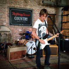 Keith rocked the house at the @RScountry launch! Who else is excited for #RollingStoneCountry? pic.twitter.com/0tdgY0APv2