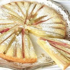 Rabarberkladdkaka – Lindas Bakskola Cookie Desserts, Fun Desserts, Delicious Desserts, Dessert Recipes, Dessert Ideas, Afternoon Tea Cakes, Flan Recipe, Rhubarb Recipes, Swedish Recipes