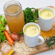 Turn kitchen scraps and dinner leftovers into a pot of liquid gold by whipping up a batch of bone broth with help from private chef Anna Davis. Anna Davis, Homemade Bone Broth, Private Chef, Best Dishes, Chef Recipes, Missouri, Restaurants, Meals, Dinner