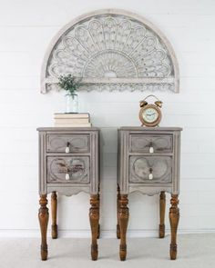 Beautiful Paint Furniture, Furniture Projects, Furniture Makeover, Bedroom Furniture, Furniture Design, Barn Living, Chic Living Room, Trendy Furniture, Repurposed Furniture