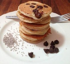 Healthy Kid Friendly Chia Choc Chip Pancakes (minus chia seeds and choc chips) Healthy Mummy Recipes, Dog Treat Recipes, Healthy Foods To Eat, Healthy Kids, Healthy Snacks, Healthy Eating, Healthy Breakfasts, Kid Recipes, Budget Recipes