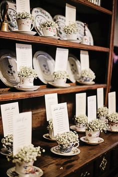 A Free Wedding Checklist Planner For Low Budget, Stress - Free Wedding Planning - Put the Ring on It Wedding Seating, Wedding Table Numbers, Wedding Menu, Wedding Cards, Wedding Ideas, Diy Spring Weddings, Wedding Planner Checklist, Gypsophila Wedding, Wedding Flowers