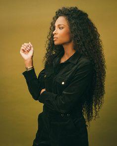 Ciara Style, Shining Star, Beautiful Black Women, Rihanna, Fashion Photo, My Girl, Singers, Curls, Queens