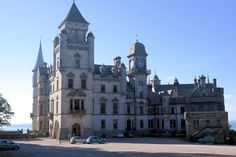 Dunrobin Castle (front view)