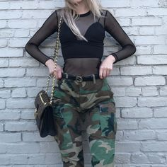 "Gefällt 12.5 Tsd. Mal, 196 Kommentare - olivia o'brien (@oliviaobrien) auf Instagram: ""can't wait for all the ""where are ur pants?"" comments i get every time i wear camo!"""