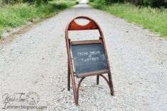 13 Creative Ways to Repurpose Old Chairs - Repurposed Furniture Ideas Old Wooden Chairs, Wooden Folding Chairs, Old Chairs, Black Chairs, Ikea Chairs, High Chairs, Repurposed Furniture, Home Furniture, Furniture Ideas