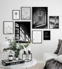 - Wall Art Ideas - 3 meest gemaakte fouten bij het maken van een gallery wall 3 most common mistakes when making a gallery wall - Everything to make your home your Home Gallery Wall Layout, Gallery Wall Art, Photo Gallery Walls, Black And White Posters, Black And White Picture Wall, Black And White Interior, Black White, Black And White Office, Monochrome Interior