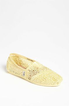 TOMS 'Classic' Crochet in Lemon; Can we please Natalie?!