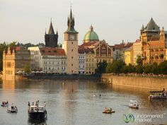 Insider's Prague: Tourist Traps to Avoid, What to Do, Where to Eat. Advice on how to really enjoy Prague to the fullest from expats who lived there for five years. European Vacation, European Travel, Vacation Spots, Places To Travel, Places To See, Travel Destinations, Holiday Destinations, Jüdisches Museum, Visit Prague