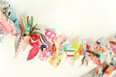 Scrap Fabric Garland BY THE FOOT photo/party por PaperBoxQuiltCo