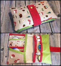 Windeltasche-Waldtiere-Rot-Gruen-Wickeltasche-Pamperstasche-Unikat-Geschenk-Baby