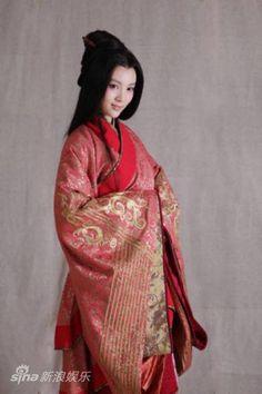 金晨 - Gina Qin Dynasty, Jin, Sari, Fashion, Saree, Moda, Fashion Styles, Fashion Illustrations, Saris