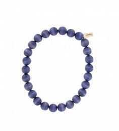 Handgefertigte Halskette der finnischen Manufaktur AARIKKA. #Halskette #Holzschmuck #Perlenkette  #stilvoll #zeitlos #elegant #lila #nachhaltig