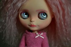Custom blythe art doll    She is a base doll original blythe simply love me, with the following customizations done by me..  Stock makeup sanded