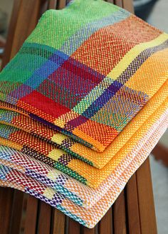 Ravelry: Project Search cotton towels, how lovely Inkle Weaving, Weaving Art, Tapestry Weaving, Weaving Textiles, Weaving Patterns, Loom Knitting Stitches, Weaving Projects, Weaving Techniques, Woven Rug
