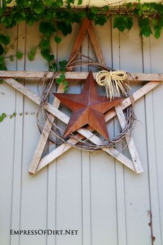 Garden art 415879346826610848 - Turn plain, boring fences into fun, upcycled works of art with these craetive ideas. Make a rustic garden art star from wood scraps, a wreath, and a tin star. Come visit the Empress of Dirt for more ideas. Garden Crafts, Diy Garden Decor, Garden Ideas, Patio Ideas, Outdoor Ideas, Fence Ideas, Pergola Ideas, Garden Inspiration, Wood Scraps