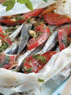 gavros-se-paketo-anoigma Cookbook Recipes, Cooking Recipes, Fish And Chips, Greek Recipes, Fish And Seafood, Green Beans, I Am Awesome, Yummy Food, Beef
