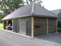 Houten Garage