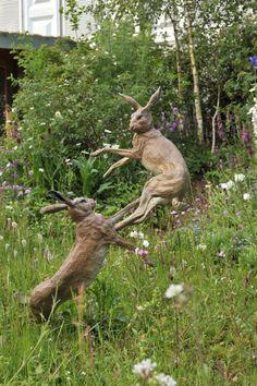 Lawn and Garden Tools Basics Boxing Hares - Theodore Gillick Rabbit Sculpture, Art Sculpture, Animal Sculptures, Garden Sculpture, Jack Rabbit, Rabbit Art, Swamp Rabbit, Deco Nature, Bunny Art