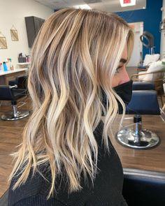 Platinum Blonde Balayage, Blonde Balayage Highlights, Blonde Hair Shades, Blonde Hair Looks, Hair Color Balayage, Natural Blonde Balayage, Ashy Blonde Balayage, Caramel Blonde Hair, Blonde Streaks