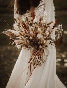 Dried Flower Bouquet, Flower Bouquet Wedding, Floral Wedding, Bohemian Wedding Flowers, Wedding Dried Flowers, Dried Flower Arrangements, Estilo Boho, Floral Bouquets, Dream Wedding