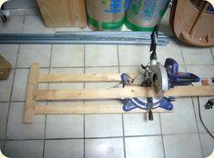 photo scie onglet electrique avec gabarit de coupe fabriquer ses volets battant en bois
