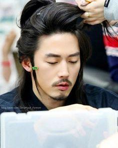Jang Hyuk, Korean Bands, Man Bun, Anime Cosplay, My World, Buns, Dramas, Hair Inspiration, Phoenix